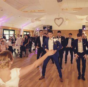 animation danse tous styles mariage 300x298 - Wedding dance class / First dance